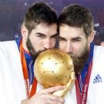 Les frères Karabatic et le trophée