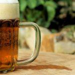 Une pinte de bière - Image libre de Martin Vorel (sur libreshot.com)