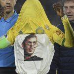Abdul Majeed Waris célébrant un but du FN Nantes avec un tee-shirt à l'effigie de Sala / Photo AFP prise sur www.rfi.fr